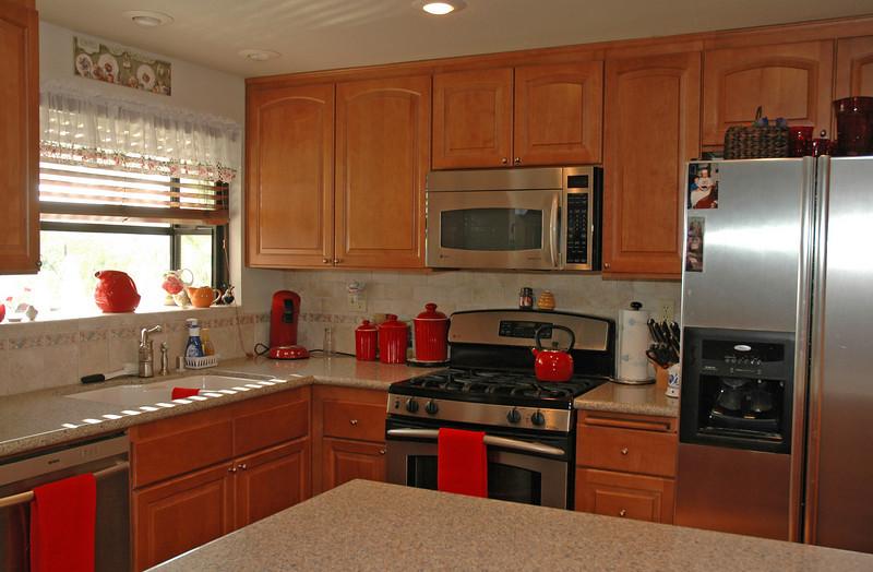 easthaven_10974 kitchen window.jpg