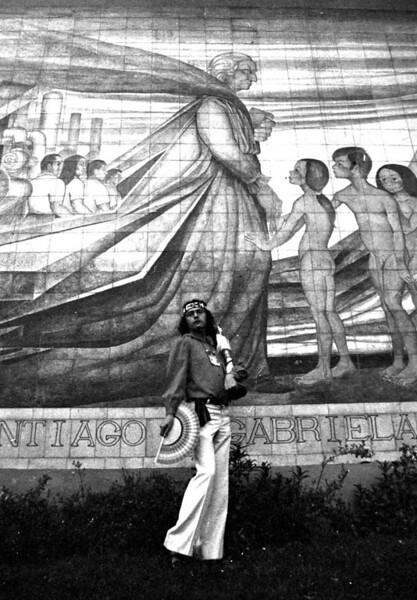 Víctor Hugo y la Mistral.jpg