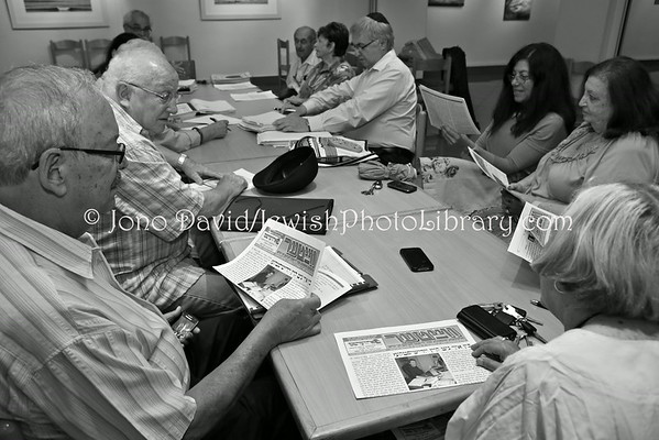 SOUTH AFRICA, Gauteng, Johannesburg, Houghton. Yiddish class (at Great Park Synagogue) (2.2013)