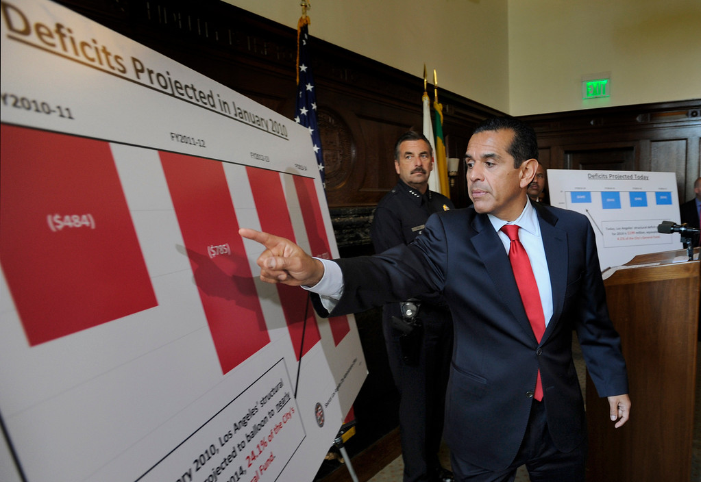 . Mayor Antonio Villaraigosa uses a chart to point out the projected deficits for the city could be without his proposed budget. 4/20/2012(John McCoy/L.A. Daily News)