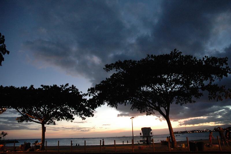 Hawaii - Ala Moana Beach Sunset-213.JPG