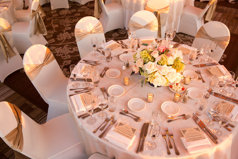 Perfectly arranged table by DoubleTree Hilton hotel in Skokie, IL