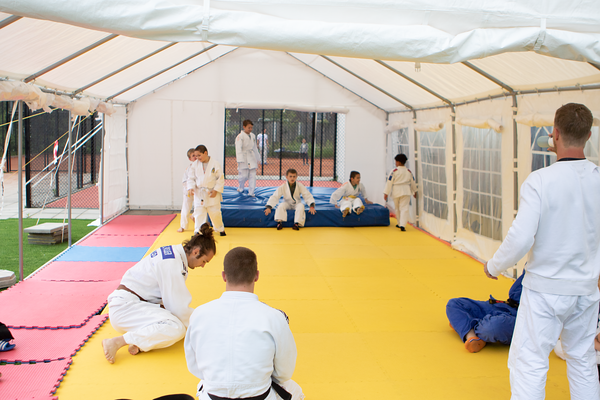 20210515 Judo in een Tent