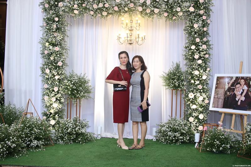 Vy-Cuong-wedding-instant-print-photo-booth-in-Bien-Hoa-Chup-hinh-lay-lien-Tiec-cuoi-tai-Bien-Hoa-WefieBox-Photobooth-Vietnam-045.jpg