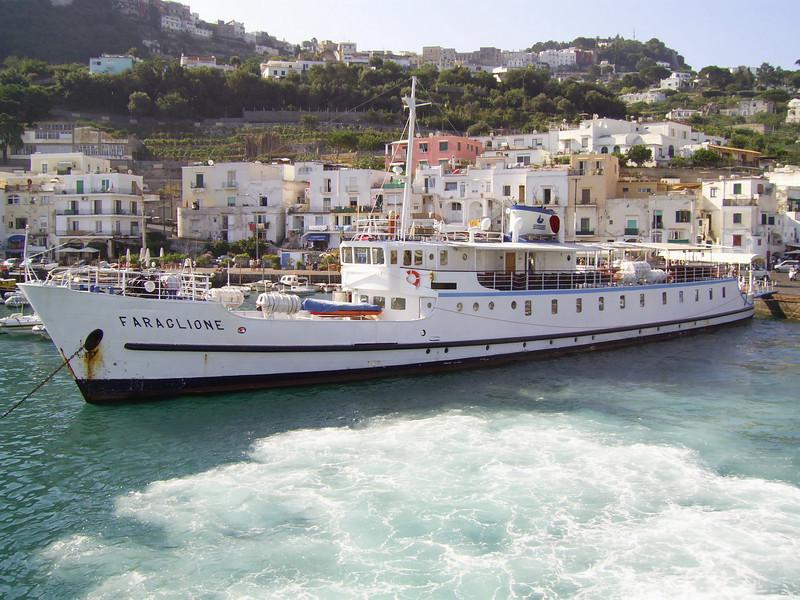 2007 - F/B FARAGLIONE in Capri. From 1964 to 2008 the fastest traditional ferry on Sorrento - Capri route.