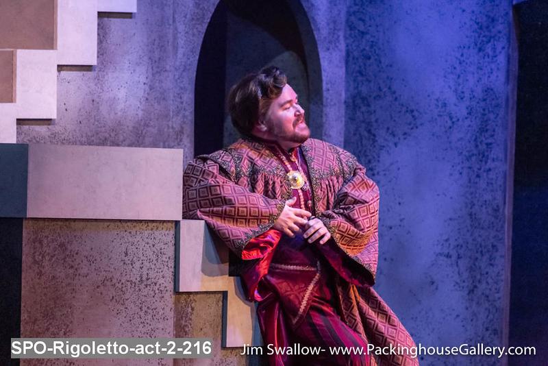 SPO-Rigoletto-act-2-216.jpg