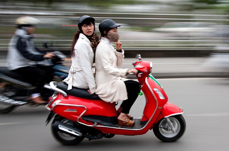 scooter_girls.jpg