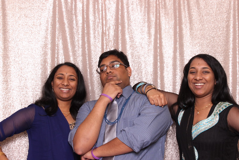 Boothie-PhotoboothRental-PriyaAbe-O-277.jpg
