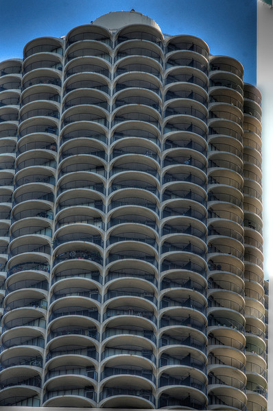ChicagomarinaTowerDSC_4771_2_3_tonemapped.jpg