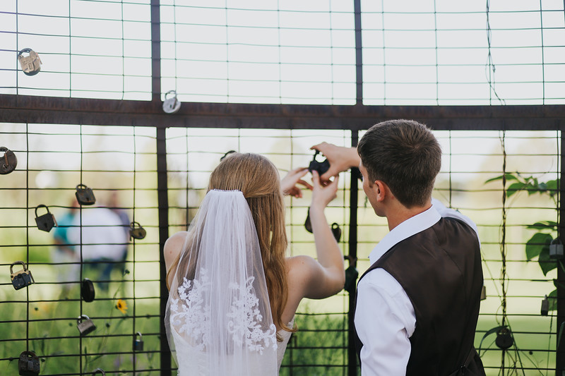 Krotz Wedding-313.jpg