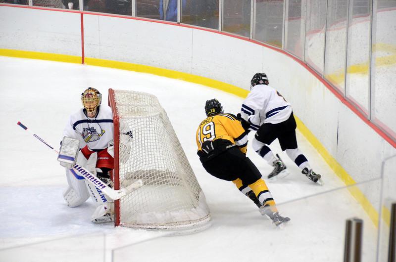141004 Jr. Bruins vs. Boston Bulldogs-190.JPG