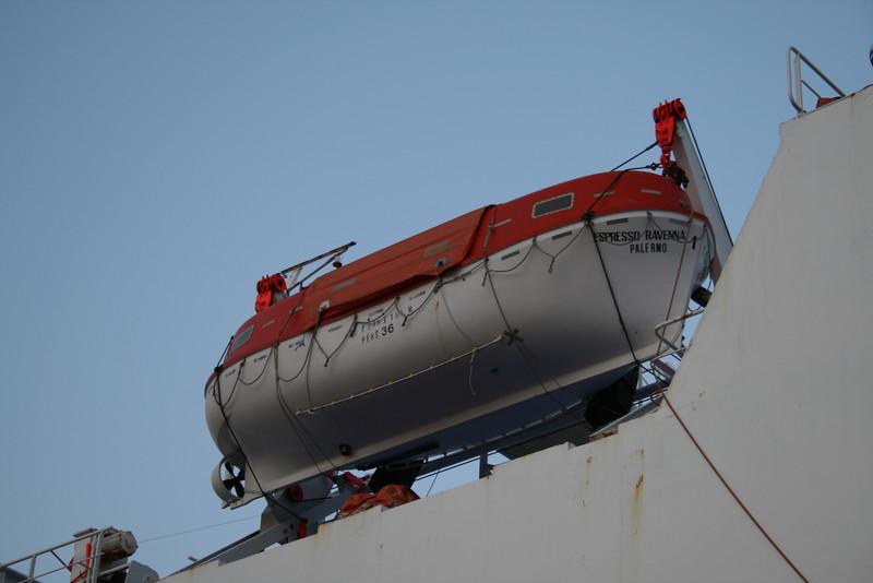F/B ESPRESSO RAVENNA : lifeboat.
