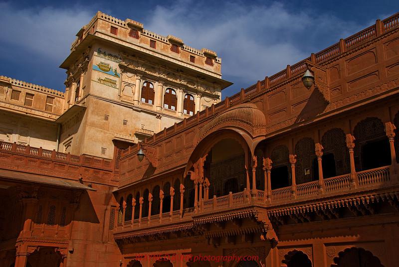 India2010-0205A-21A.jpg