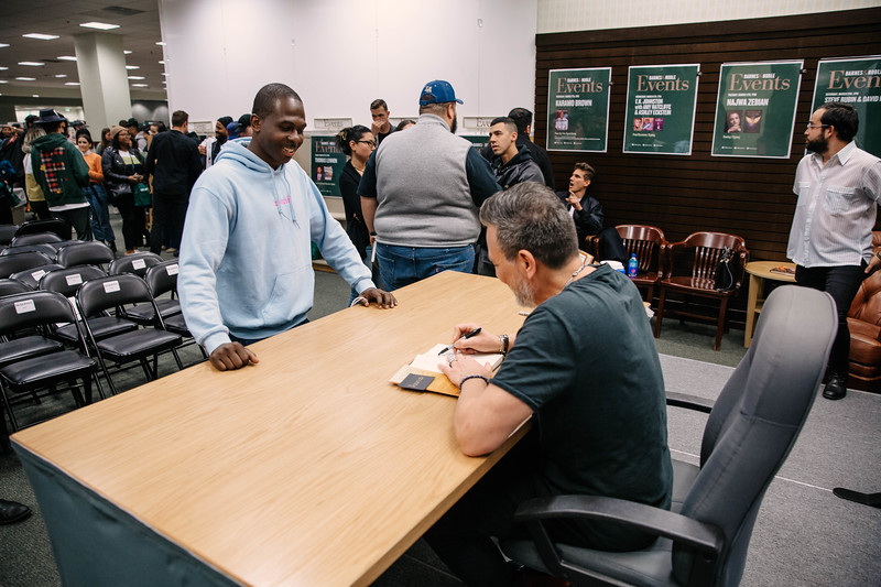 2019_2_28_TWOTW_BookSigning_SP_527.jpg