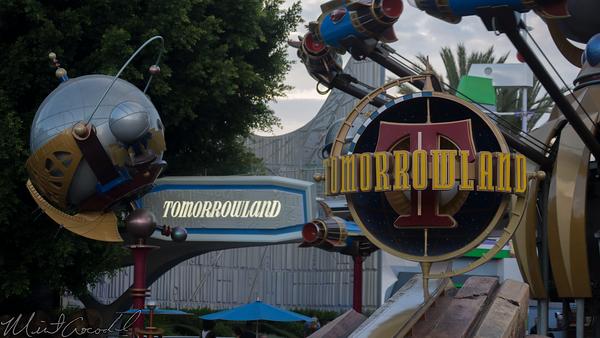 Disneyland Resort, Disneyland, Tomorrowland, Sign