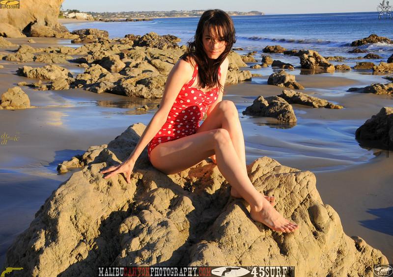 matador swimsuit malibu model 846..00...
