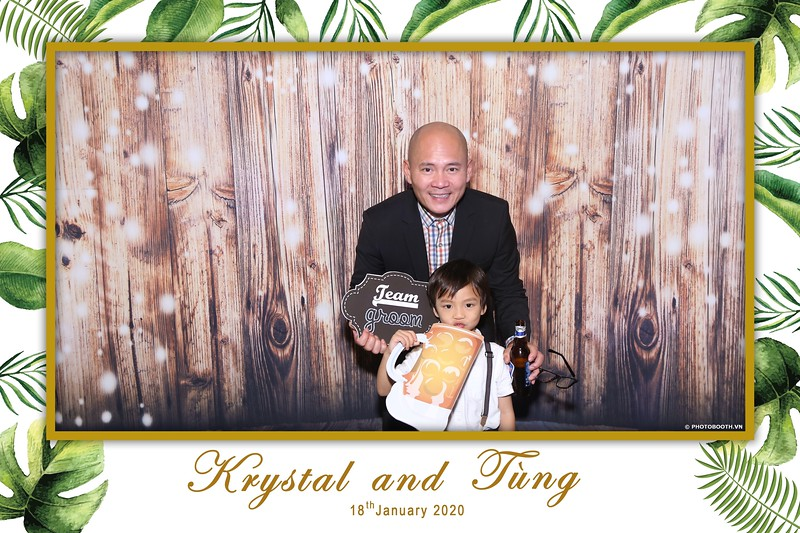 Krystal-Tung-wedding-instant-print-photo-booth-in-Ho-Chi-Minh-City-Chup-hinh-lay-lien-Tiec-cuoi-WefieBox-Photobooth-Vietnam-037.jpg