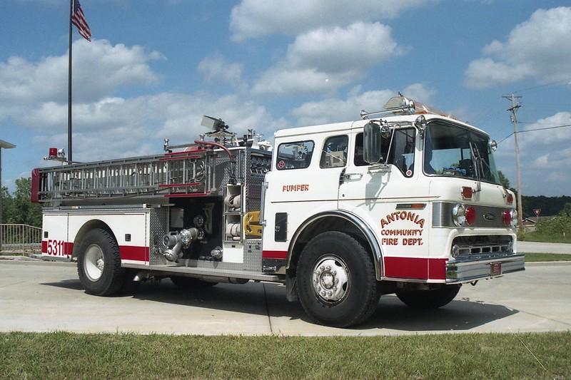 Antonia FPD MO - Engine 5311 - 1981 Ford C 800-Pierce 1000-750 E-0722 (2).jpg