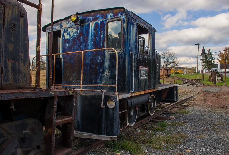 blue-loco-bobg_2_20141019_1507428999.jpg