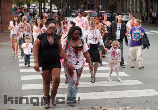 ZombieWalk2012131012173.jpg