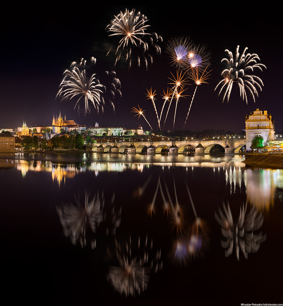 Prague_DSC4242-Pano-fireworks-web.jpg