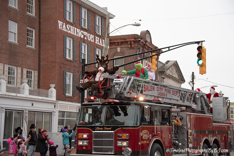 2019_Salem_NJ_Christmas_Parade_235.JPG