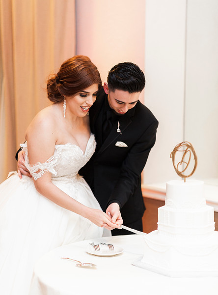 Alexandria Vail Photography Wedgewood Fresno Wedding Alexis   Dezmen748.jpg