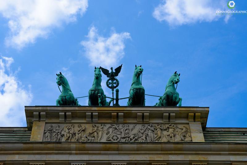 Brandenburg Gate horses.jpg