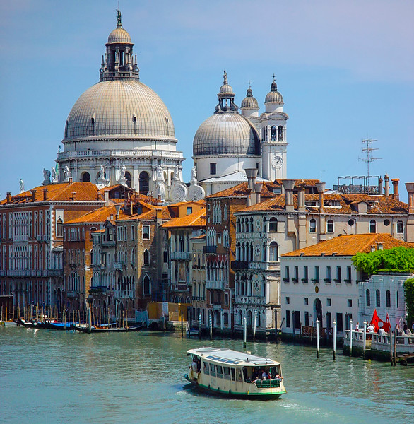 Venice 09 Saluta Basilica.jpg
