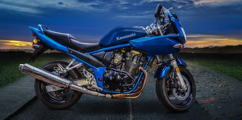 blue-moto-lr-3.jpg