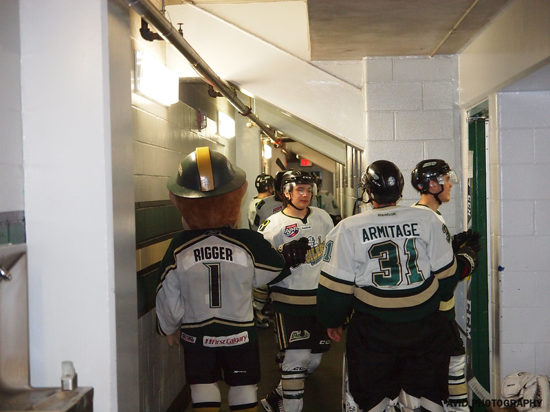 Okotoks Oilers vs Brooks Bandits April 4th AJHL (142).jpg