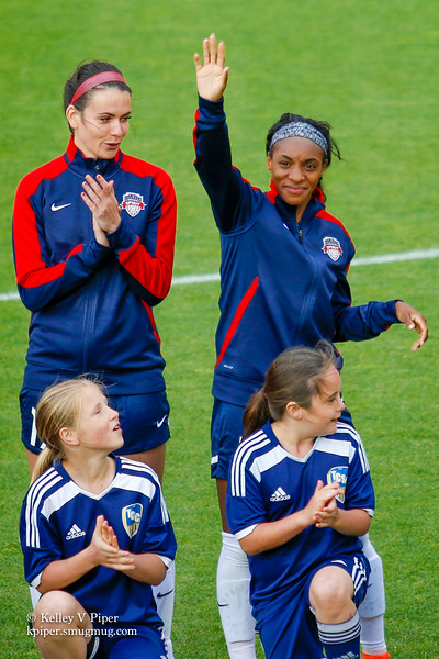 Cali Farquharson and Crystal Dunn - Player Introductions (14 May 2016)