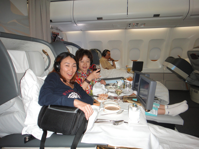 [20101009] Day 10 - BB 1st Class on Emirates Airlines (7).JPG