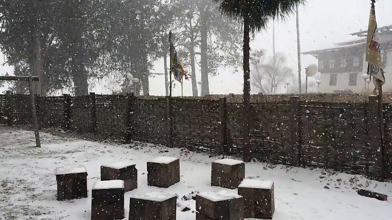 Snowfall-Popjika-Valley-2.MOV