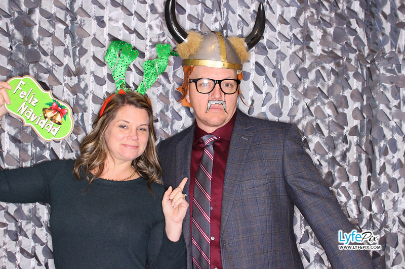 red-hawk-2017-holiday-party-beltsville-maryland-sheraton-photo-booth-0038.jpg