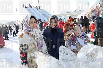 17.02.2018 - Масленица на площади Тысячелетия (Александр Эшкинин)
