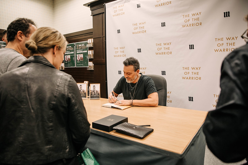 2019_2_28_TWOTW_BookSigning_SP_135.jpg