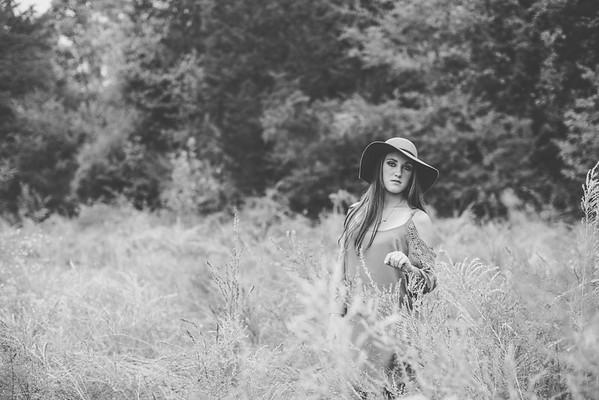 Briana: Senior Pictures!