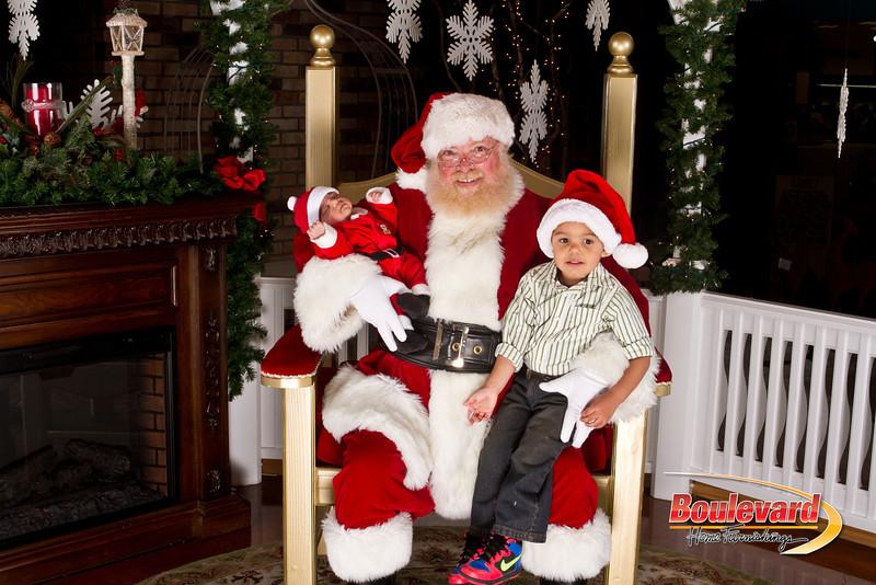 Santa Dec 15-257.jpg