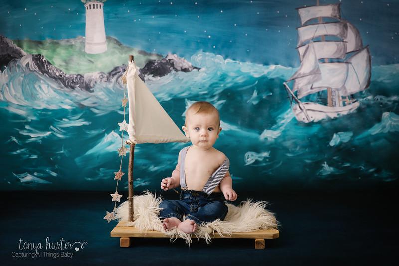 Tonya-Hurter-Photography-Copyright-2019-Newborn-Raleigh370A4218-Edit_.jpg