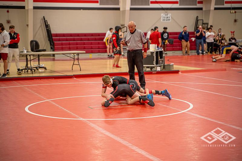 Wrestling at Granite City-09028.jpg