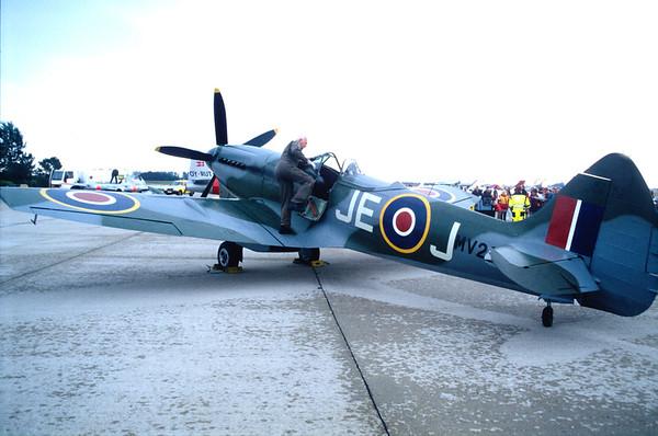 G-SPIT - Supermarine Spitfire Mk XIV