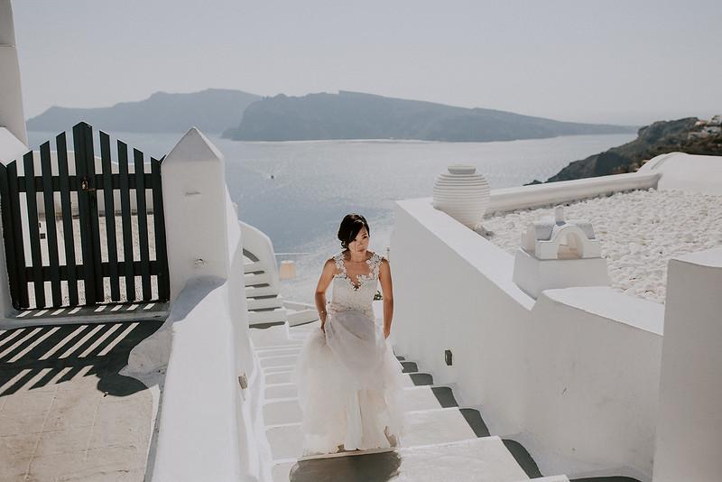 Tu-Nguyen-Destination-Wedding-Photographer-Santorini-Rocabella-Hotel-Euna-Ehsan-214.jpg