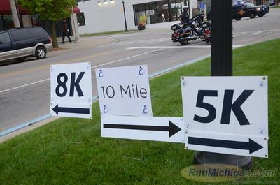 10 Mile at 1/2 Mile Mark - 2014 HealthPlus Crim Festival of Races