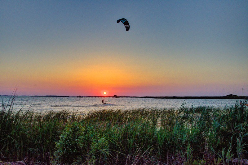 Sunset-Kite-flyer7-Corolla-Beechnut-Photos-rjduff.jpg