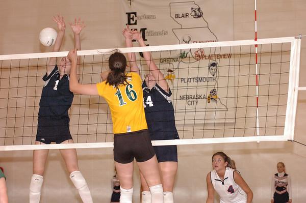 Var Volleyball vs Pius, 9-22-05