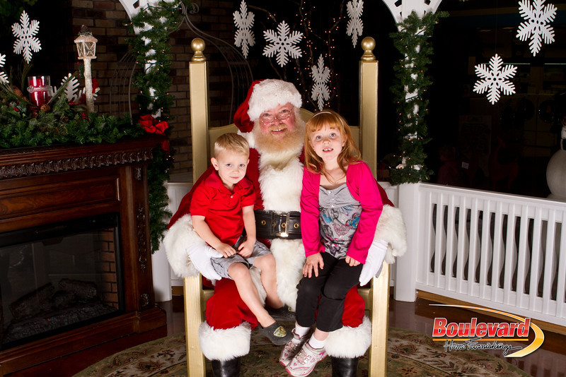 Santa Dec 15-202.jpg