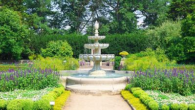 Hendrie Park (Rose Garden)