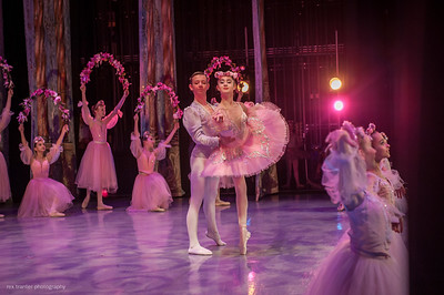 IBT's Nutcracker - Act II (Flowers, Finale, Encore )