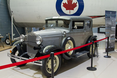Classic Cars at the Warplane Museum - Sept 29th 2019